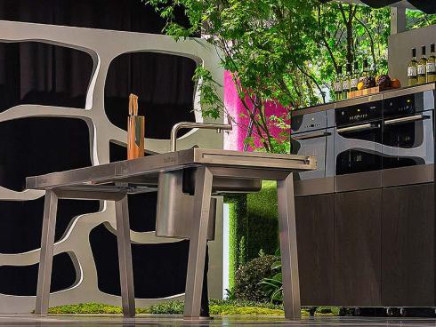 vom offenen feuer zur outdoor k che gartenk chen. Black Bedroom Furniture Sets. Home Design Ideas