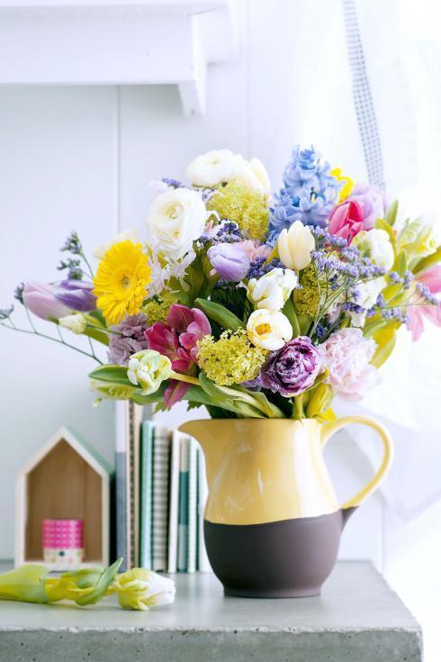 Foto TulpenZeit: Besonders hübsch sind Blumensträusse, die thematisch den Frühling feiern.