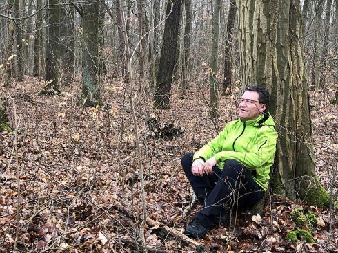 Foto: WaldResort Hainich. - Jürgen Dawo hat 2014 ein massives Burn-out erlebt und persönlich die Erfahrung gemacht, welche Kraftquelle die Natur, insbesondere der Wald, bietet.
