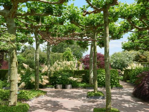 Bild Appeltern: Der Park ist mit der Zeit gewachsen. Mittlerweile können in Appeltern über 200 verschiedene Gartenanlagen entdeckt werden - für jeden Geschmack und jede Grundstücksgrösse.