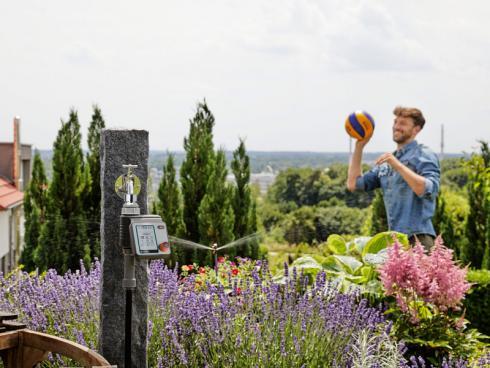 Bild GARDENA: Bewässerungssystem auf Balkone und Terrassen ermöglichen kürzere und längere Abwesenheit.