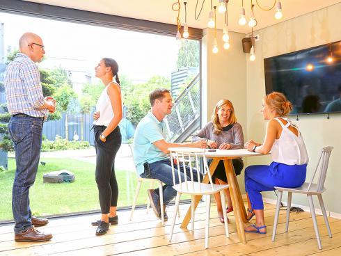 Bild Gardena: Raum für kleine Meetings, ad hoc Arbeitsgruppen oder gemeinsame kreative Pausen.
