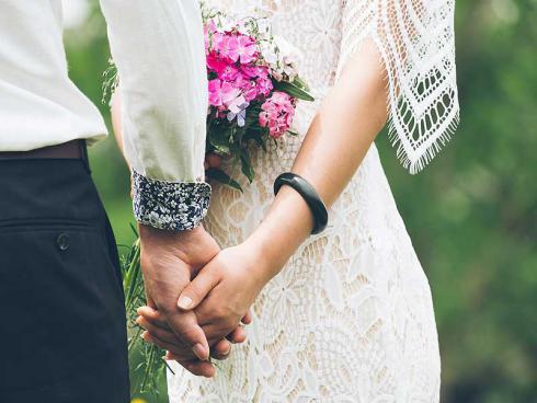 Bild pixabay: Hochzeit im Garten