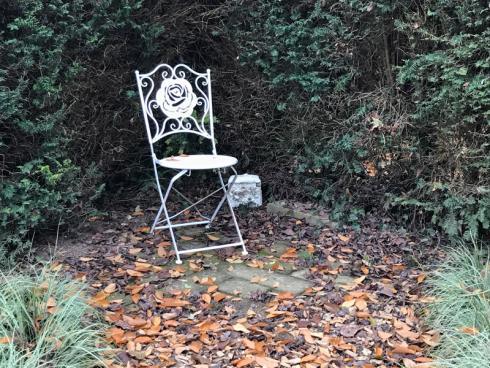 Bild garten.ch: Kleine Flächen lassen sich gut mit dem Laubsauger bearbeiten.