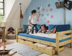 Das Bett ist das Zentrum des Kinderzimmers. © allnatura